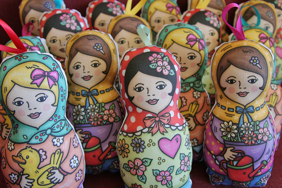 Little_Mo_and_Friends_babushka_dolls